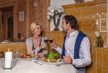 Genießen Sie ein köstliches Abendessen im gemütlichen Ambiente in einer unserer Gaststuben.