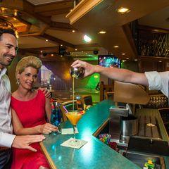 Genießen Sie einen leckeren Drink an der Bar im Hotel Pachmair.