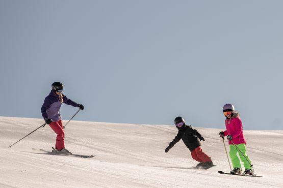 Skifahren mit der Familien