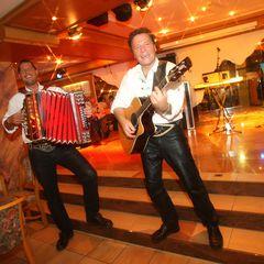 Täglich sorgen Tiroler Musikanten für beste Stimmung und Unterhaltung.