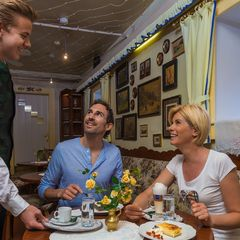 Genießen Sie die Kaffeejause am Nachmittag in unserem gemütlichen Cafehaus.