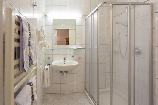 Die Familienzimmer Hochzillertal sind mit einem schönen Badezimmer ausgestattet.