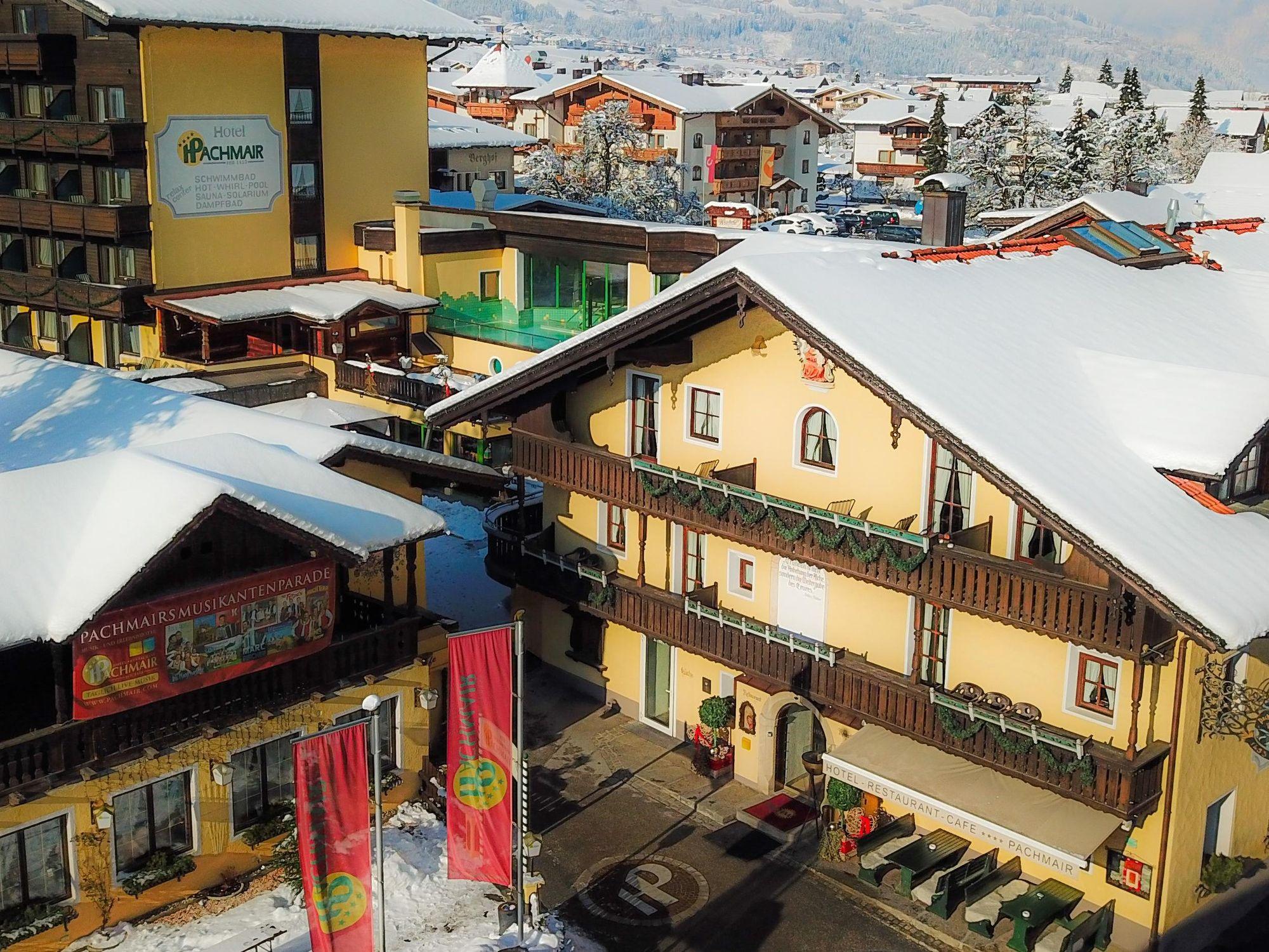 Das traditionsreiche Musikhotel Pachmair im Winter.