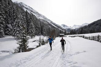 Im Zillertal stehen zahlreiche Loipen zum Langlaufen zur Verfügung.