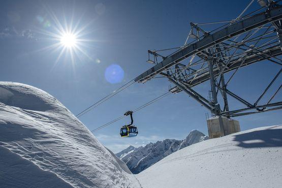 Im Zillertal stehen 180 topmoderne Bergbahnen & Lifte für alle Winterliebhaber zur Verfügung.