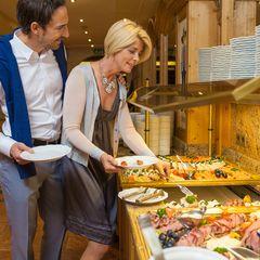 Das umfangreiche Frühstücksbuffet im Hotel Pachmair ist der perfekte Start in einen Urlaubstag.